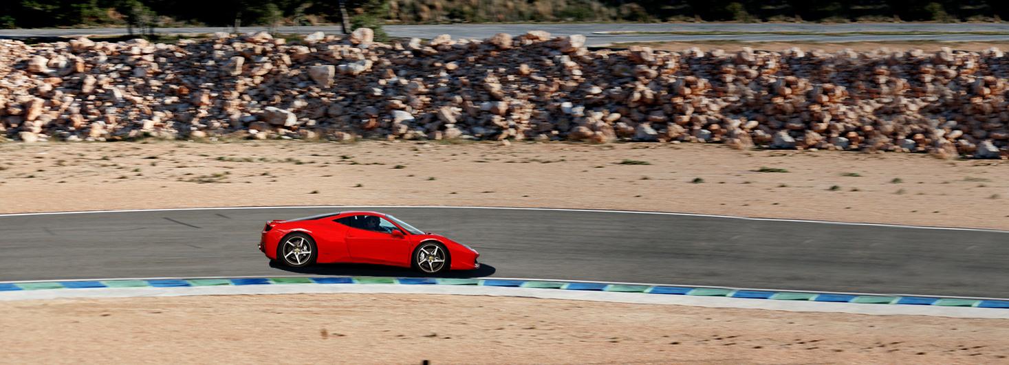 Conducir un Ferrari 458 en Circuit Calafat